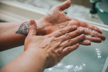 мыть руки
